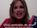 "VIDEO: Lola lee ""Uñas pintadas de azul"""