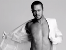 VIDEO: More Taylor Kinney
