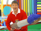 VIDEO: Art Attack – How to Draw a Wiener