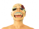 VIDEO: XELLE Queen's Bald Butterfly Look Will Be Hot This Season