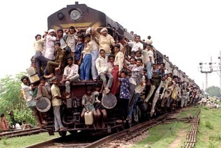 http://feastoffun.com/wp-content/uploads/2013/05/crowded-train.jpg